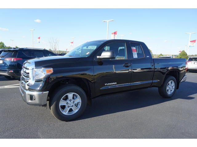 New 2017 Toyota Tundra Sr5 Double Cab 4d Double Cab In